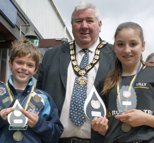Trophies presented by Mayor of Hertsmere, Cllr Martin Worster. With Samuel Newman – under 12 and under 16 boys' winner, and 3rd in the men's race. Lilly O'Dell – under 16 girls' winner, and 3rd in the women's race.